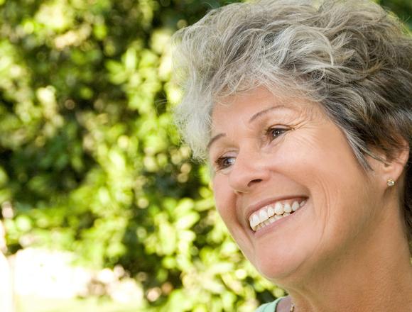 Overland Park Dentist | Optimal Gum Health for Seniors